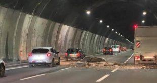"""Autostrade, dossier del ministero sulle gallerie italiane: """"Duecento a rischio"""". L'allarme del Consiglio Superiore dei Lavori Pubblici lanciato due mesi prima del crollo in Liguria"""